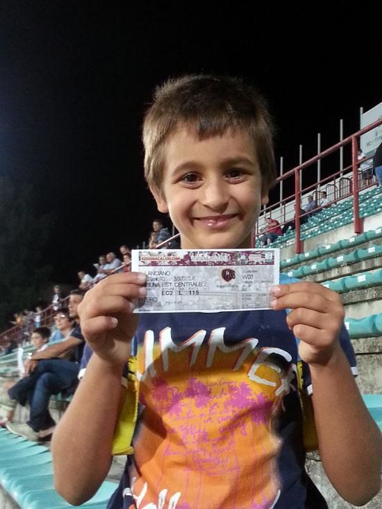 Il giovane Antonino allo stadio con noi