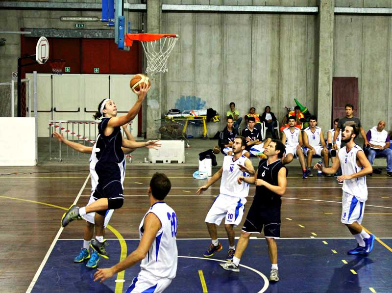 Basket: Esordio vincente per la Vis: Ragusa battuta 85-78 al Pala Botteghelle