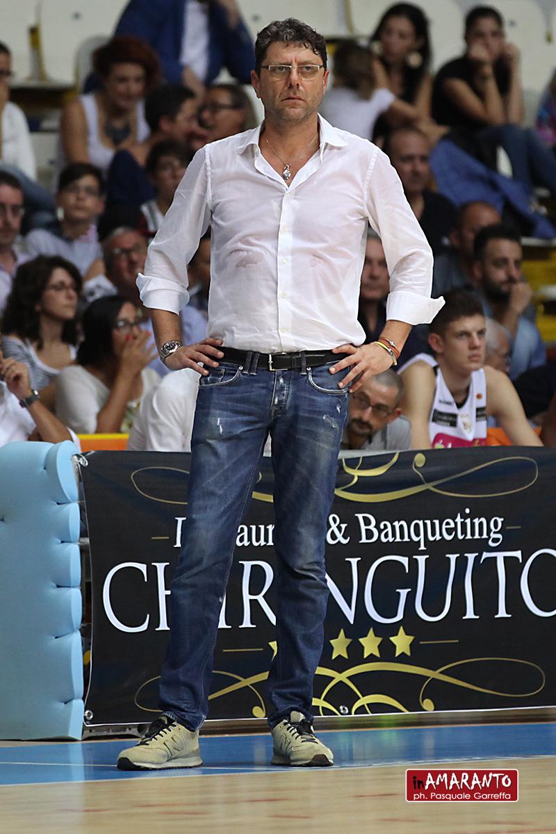 Viola: esonerato Benedetto, ora a chi la squadra?