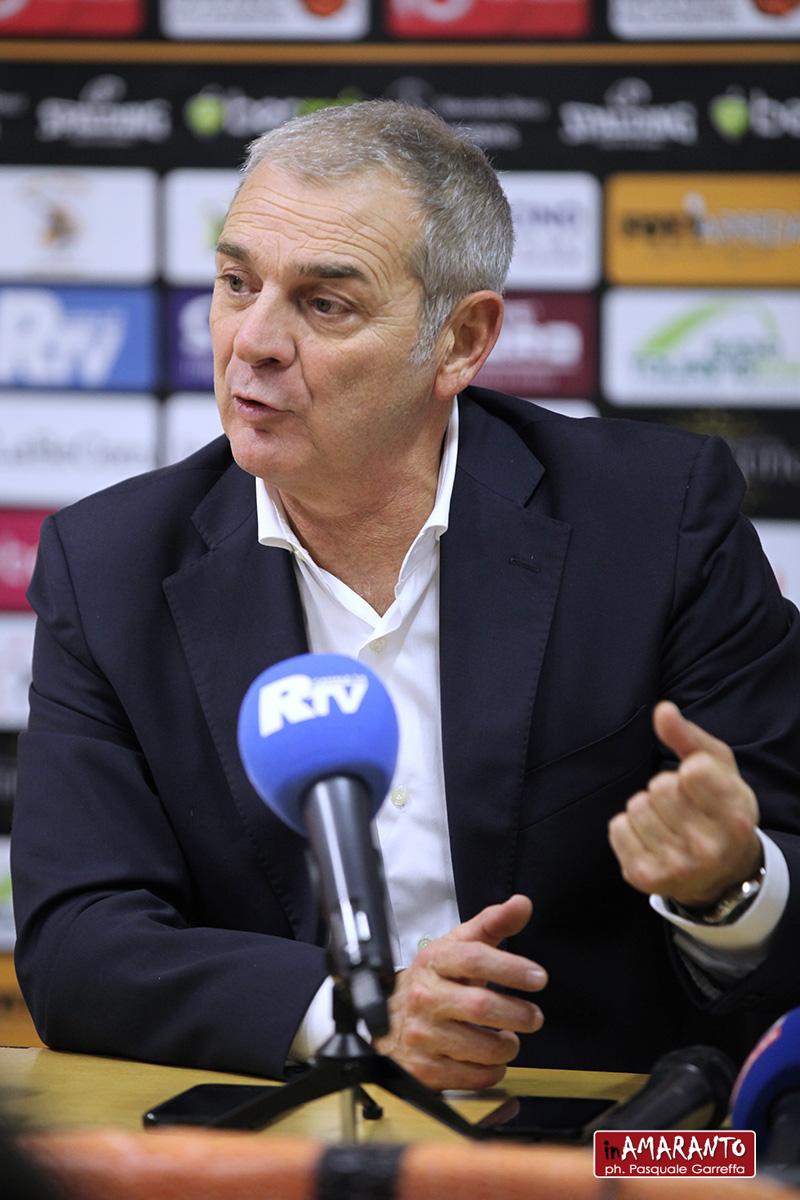 """Bianchi, coach Viola: """"la squadra non c'è. Servirebbe più severità""""."""